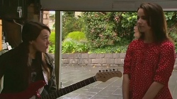 Sophie Ramsay, Kate Ramsay in Neighbours Episode 6230