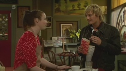 Kate Ramsay, Andrew Robinson in Neighbours Episode 6230