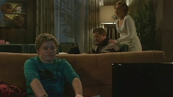 Callum Jones, Toadie Rebecchi, Sonya Mitchell in Neighbours Episode 6232