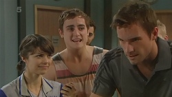 Kendra Kimmel, Kyle Canning, Rhys Lawson in Neighbours Episode 6232