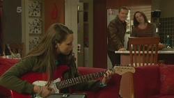 Sophie Ramsay, Paul Robinson, Kate Ramsay in Neighbours Episode 6233