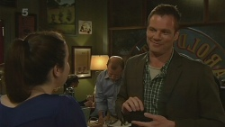 Kate Ramsay, Michael Williams in Neighbours Episode 6234
