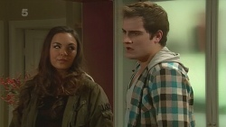 Jade Mitchell, Kyle Canning in Neighbours Episode 6235