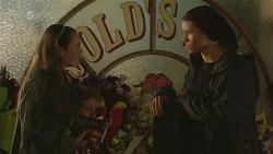 Sophie Ramsay, Noah Parkin in Neighbours Episode 6239