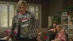Andrew Robinson, Summer Hoyland, Natasha Williams in Neighbours Episode 6240