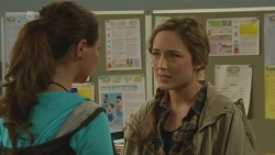 Jade Mitchell, Sonya Mitchell in Neighbours Episode 6241