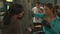 Danielle Paquette, Jade Mitchell in Neighbours Episode 6242