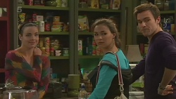 Kate Ramsay, Jade Mitchell, Rhys Lawson in Neighbours Episode 6242