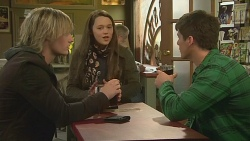 Andrew Robinson, Sophie Ramsay, Chris Pappas in Neighbours Episode 6243