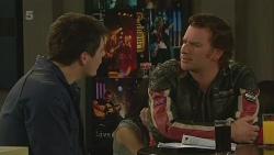 Chris Pappas, Lucas Fitzgerald in Neighbours Episode 6245
