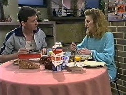 Des Clarke, Sally Wells in Neighbours Episode 0622