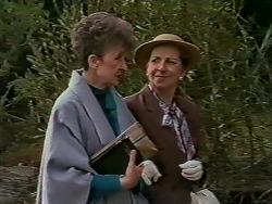 Nell Mangel, Eileen Clarke in Neighbours Episode 0624