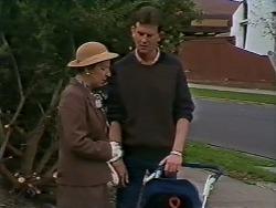 Eileen Clarke, Des Clarke in Neighbours Episode 0624