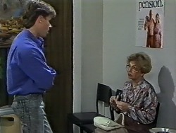 Mike Young, Eileen Clarke in Neighbours Episode 0627