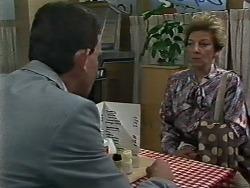 Des Clarke, Eileen Clarke in Neighbours Episode 0627