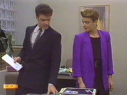 Paul Robinson, Gail Robinson in Neighbours Episode 0630