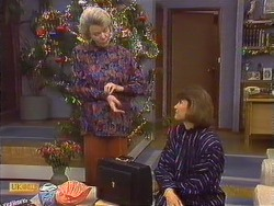 Helen Daniels, Beverly Marshall in Neighbours Episode 0631