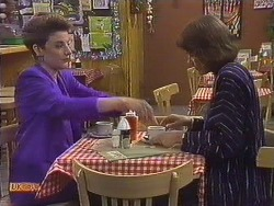 Gail Robinson, Beverly Marshall in Neighbours Episode 0631