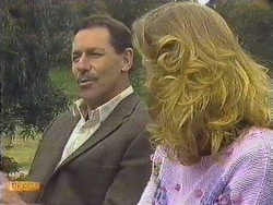 Malcolm Clarke, Sally Wells in Neighbours Episode 0633