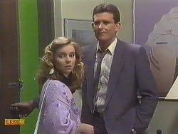 Sally Wells, Des Clarke in Neighbours Episode 0633
