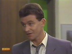 Des Clarke in Neighbours Episode 0633
