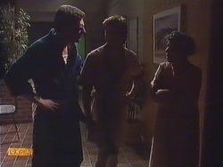 Des Clarke, Mike Young, Eileen Clarke in Neighbours Episode 0634