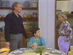 Jim Robinson, Lucy Robinson, Helen Daniels in Neighbours Episode 0635