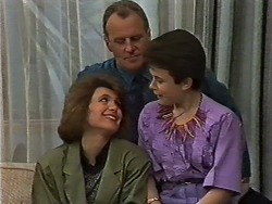 Beverly Marshall, Jim Robinson, Lucy Robinson in Neighbours Episode 0636