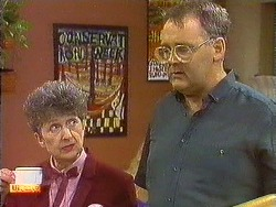 Nell Mangel, Harold Bishop in Neighbours Episode 0638