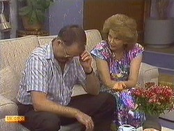Harold Bishop, Madge Ramsay in Neighbours Episode 0640