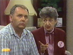 Harold Bishop, Nell Mangel in Neighbours Episode 0640