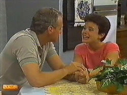 Jim Robinson, Lucy Robinson in Neighbours Episode 0642