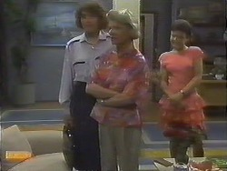 Beverly Marshall, Helen Daniels, Lucy Robinson in Neighbours Episode 0643