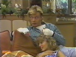 Scott Robinson, Charlene Robinson in Neighbours Episode 0643