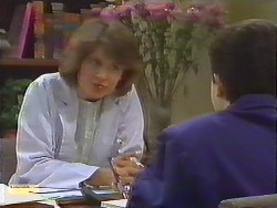 Beverly Marshall, Lucy Robinson in Neighbours Episode 0644
