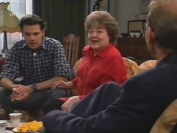 Sam Kratz, Marlene Kratz, Peter Lenten in Neighbours Episode 2573