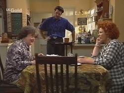 Marlene Kratz, Sam Kratz, Cheryl Stark in Neighbours Episode 2574