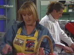 Angie Rebecchi, Toadie Rebecchi in Neighbours Episode 2575