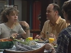 Hannah Martin, Philip Martin, Georgia Brown in Neighbours Episode 2576