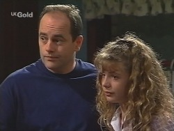 Philip Martin, Hannah Martin in Neighbours Episode 2581