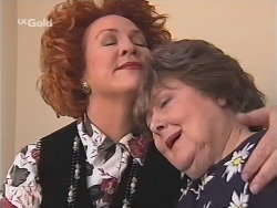 Cheryl Stark, Marlene Kratz in Neighbours Episode 2583