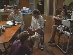 Malcolm Kennedy, Billy Kennedy, Casserole the sheep, Toadie Rebecchi, Libby Kennedy in Neighbours Episode 2585