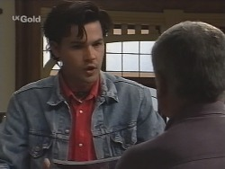 Sam Kratz, Lou Carpenter in Neighbours Episode 2587