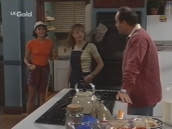 Georgia Brown, Hannah Martin, Philip Martin in Neighbours Episode 2590