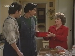 Luke Handley, Sam Kratz, Marlene Kratz in Neighbours Episode 2590