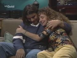 Casper Mack, Hannah Martin in Neighbours Episode 2705