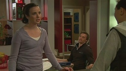 Kate Ramsay, Rhys Lawson, Jade Mitchell in Neighbours Episode 6249
