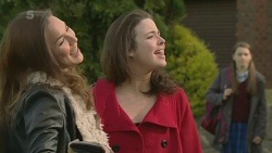 Jade Mitchell, Kate Ramsay, Sophie Ramsay in Neighbours Episode 6249