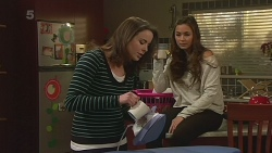 Kate Ramsay, Jade Mitchell in Neighbours Episode 6250