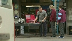 Lucas Fitzgerald, Andrew Robinson, Chris Pappas in Neighbours Episode 6252